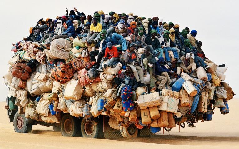 migranti deserto